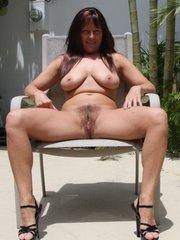 Chubby brunette mom..