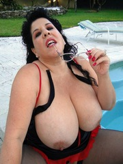 Naked moms with dirty holes