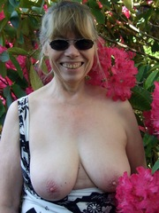 New erotic pictures with the old woman and mature wohores