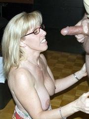 Blonde grandma ready to suck..