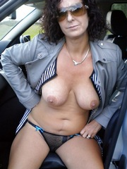 New erotic pictures with naked mommy