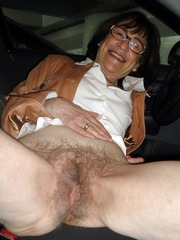 Sexy mom with wet pussies