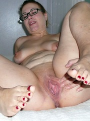 Chubby housewife stretch her..