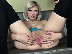 Babe vibrating ultra sweet pussy hole