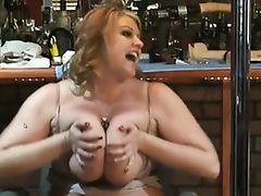 Bbw milf spreads pussy lips