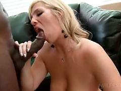 Slutty mom banged by monster black pecker