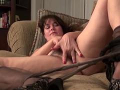 USAWives mature Lori Leane masturbating alone
